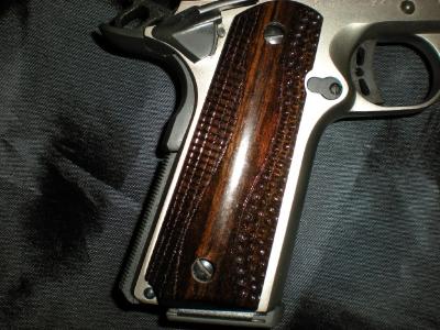 Custom Gun Grips